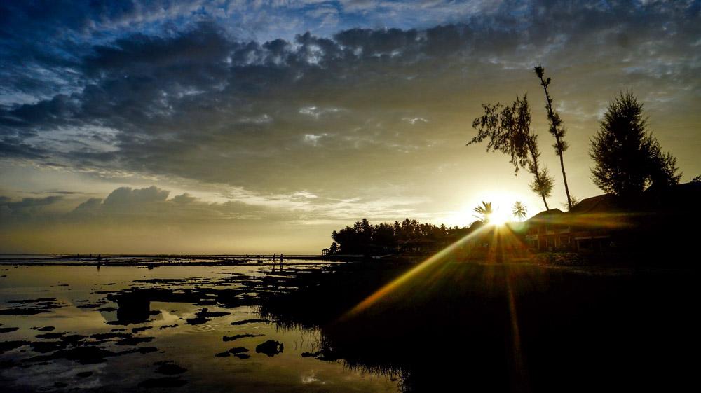 Senja di Pantai Sorake. © Fitria Dwi S