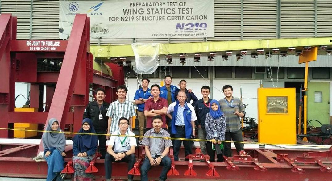 Wing statics test pesawat N-219 di PT Dirgantara Indonesia