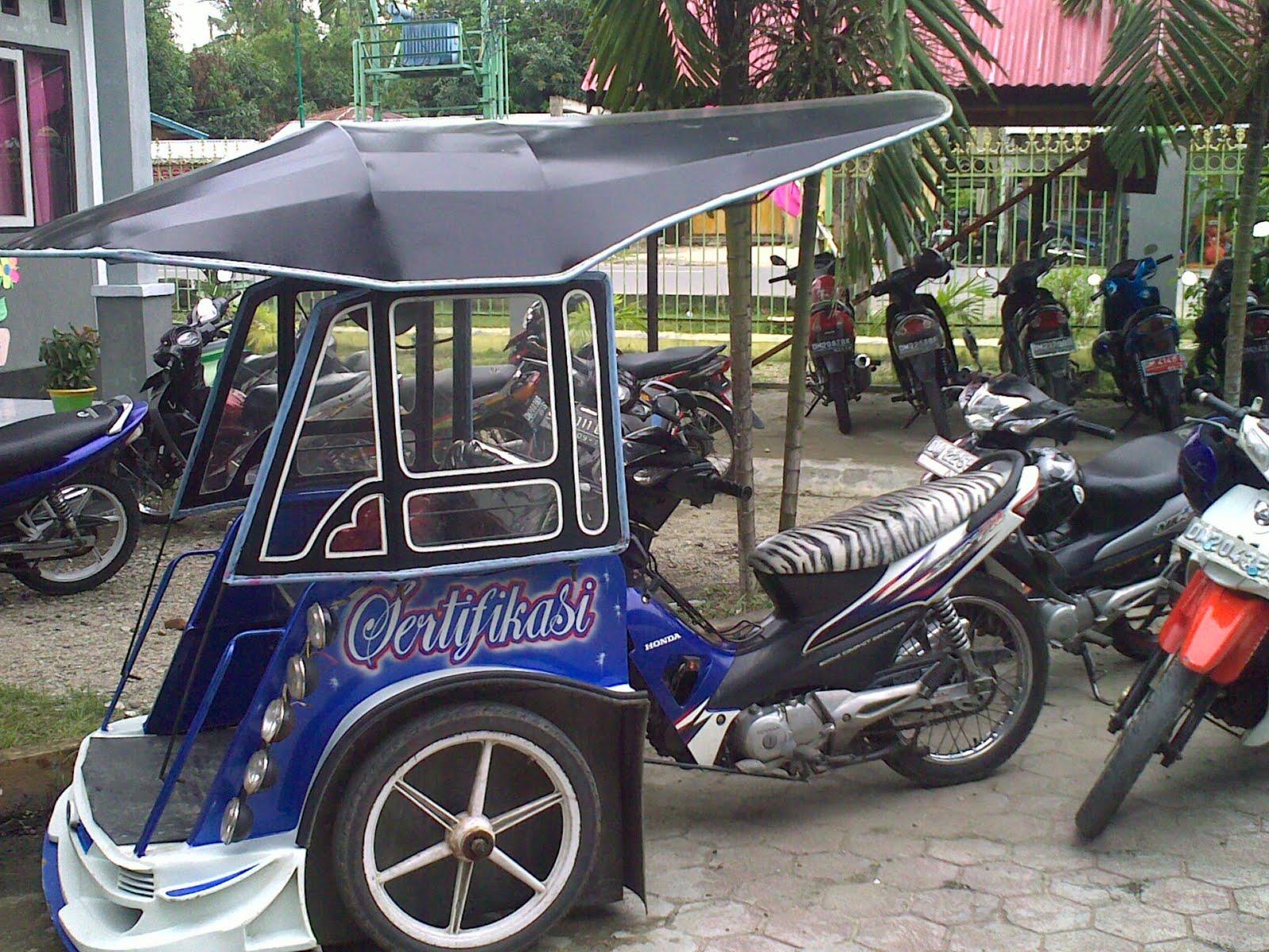 Becak Motor | Sumber: rizkiamelia0893.wordpress.com