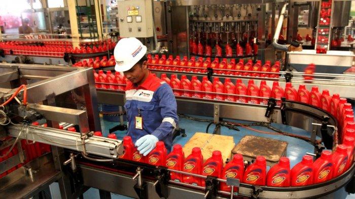 Proses pembuatan produk Pertamina Lubricants | Sumber: tribunnews.com
