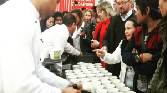 Badan Ekonomi Kreatif (Bekraf) berupaya memasarkan soto di berbagai event internasional. Sumber: Bekraf/Joshua Simandjuntak