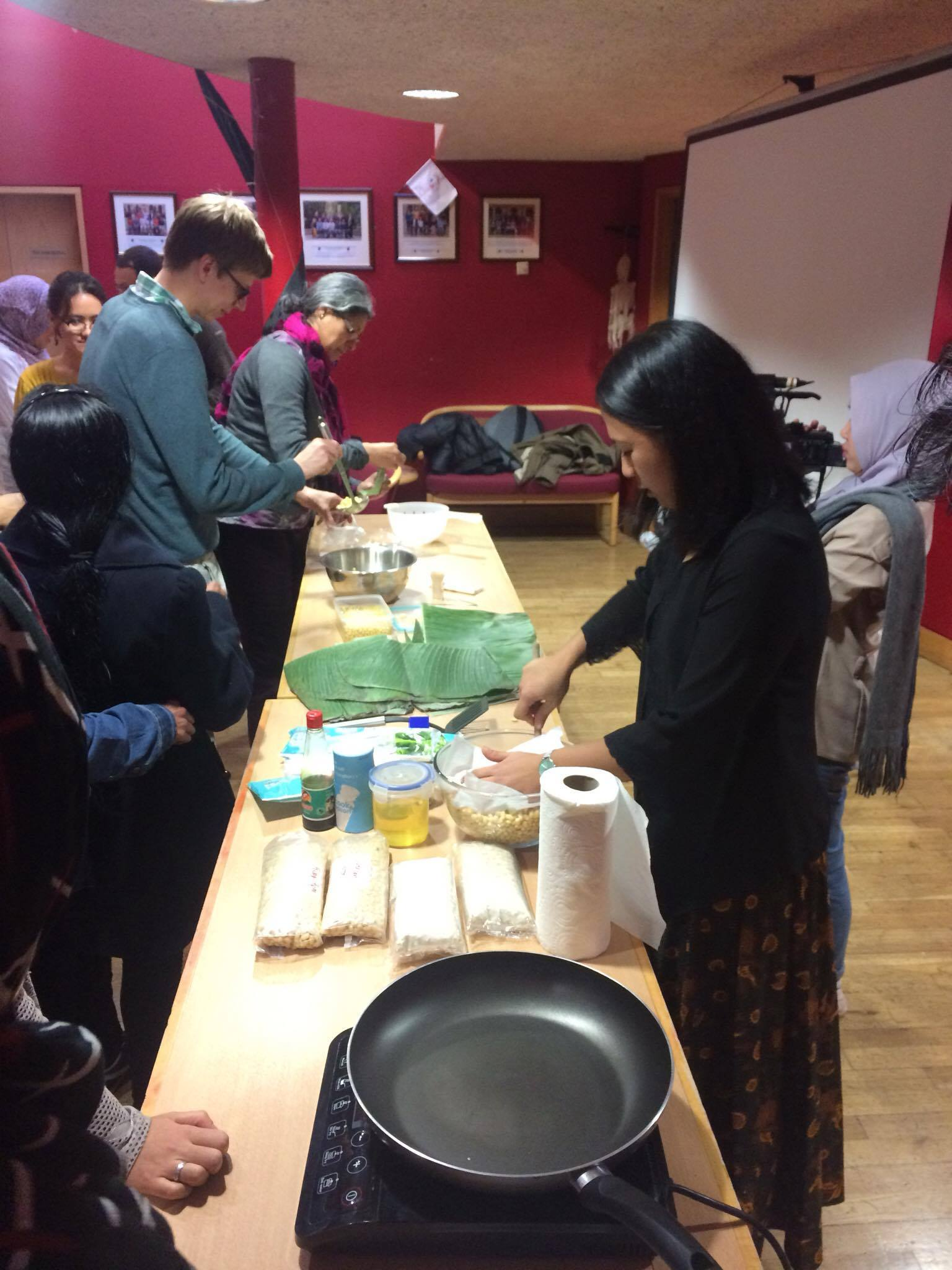Tempe-making workshop at University of Oxford. image: PPI Oxford