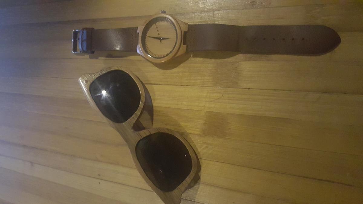 Kacamata dan jam tangan bambu. Image: Sahabat Bambu