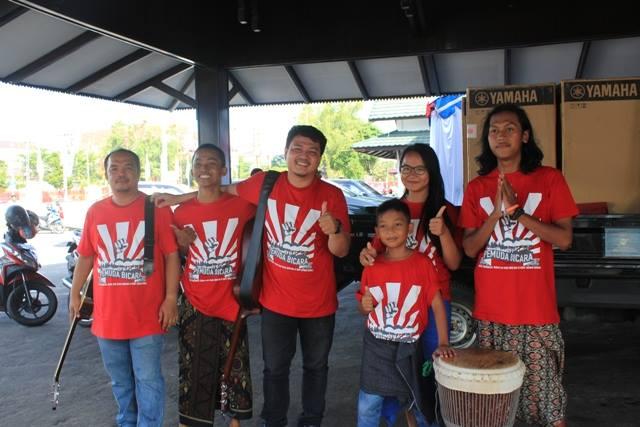 Usai Pentas di Palangkaraya bersama komunitas Rumah Talenta. Gambar: Hutan Tropis