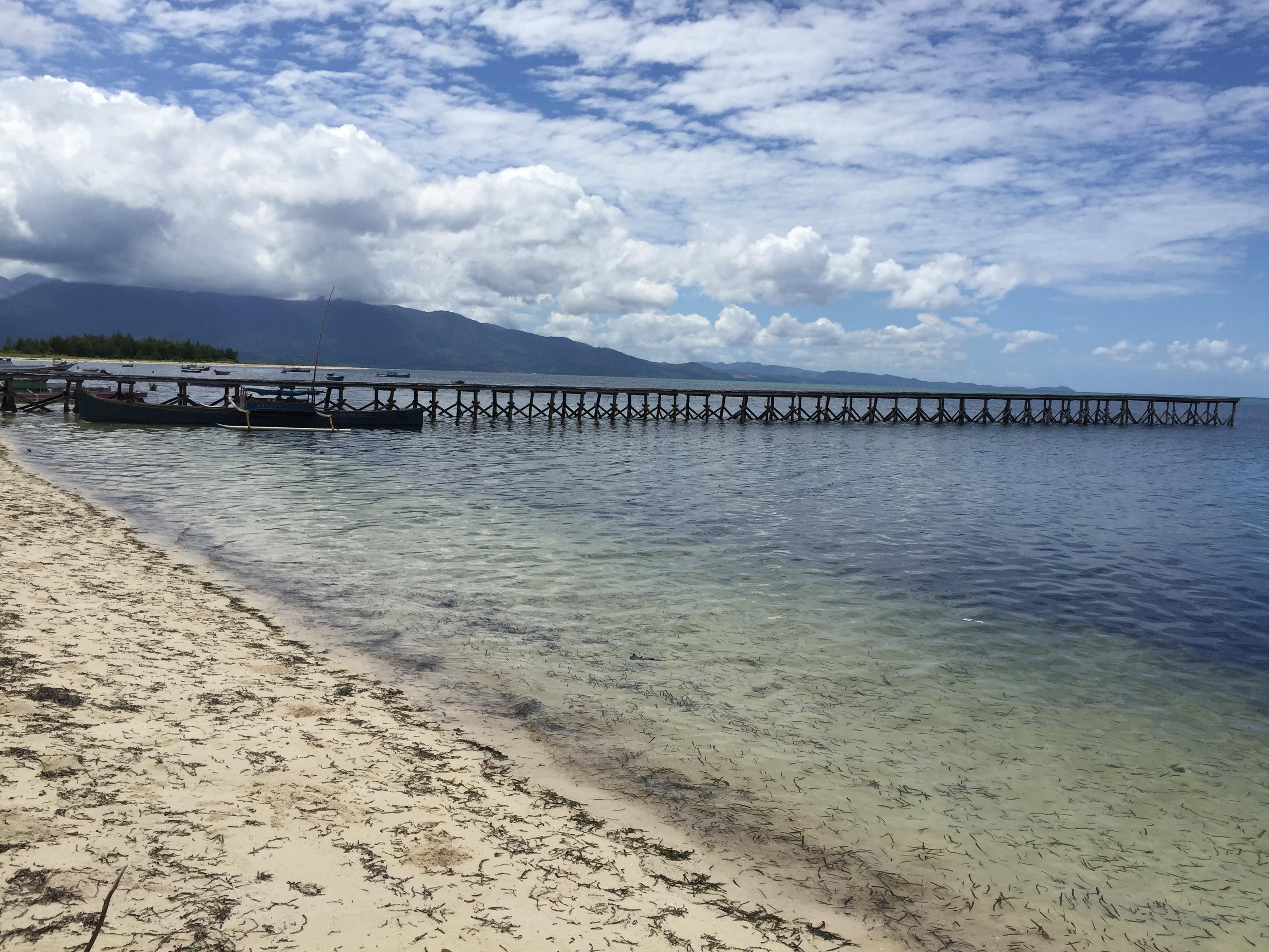 Pulau Sagori yang indah sekaligus menyimpan misteri