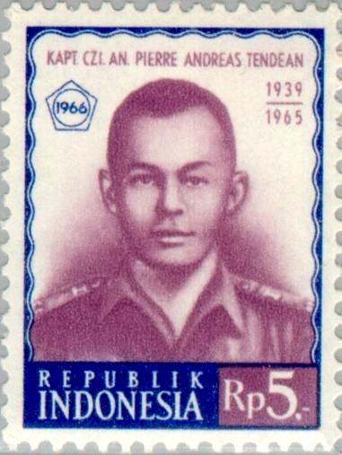 Wajah Pierre Tendean dalam sebuah perangko pos (Sumber foto : Wikipedia)