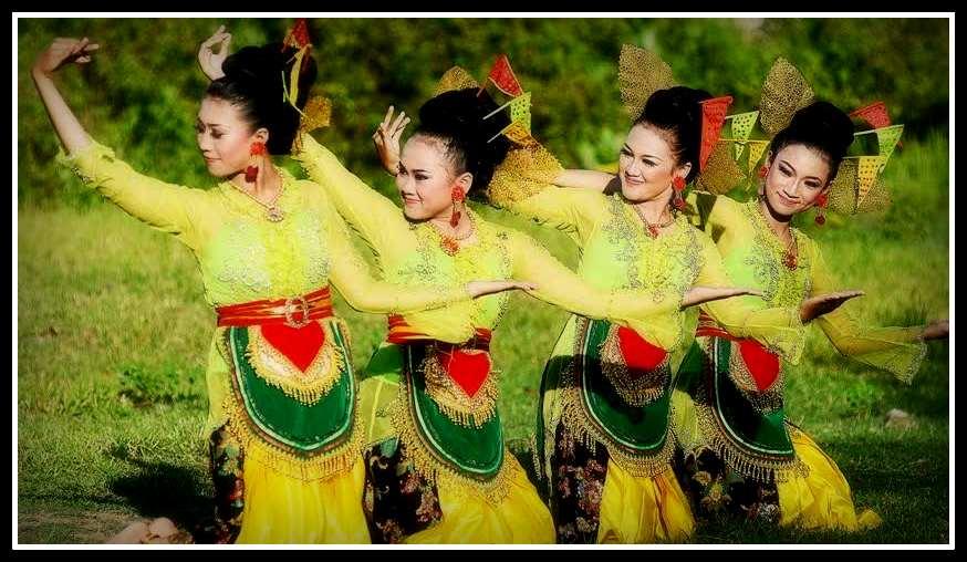 http://www.negerikuindonesia.com/2015/08/tari-lahbako-tarian-tradisional-dari.html