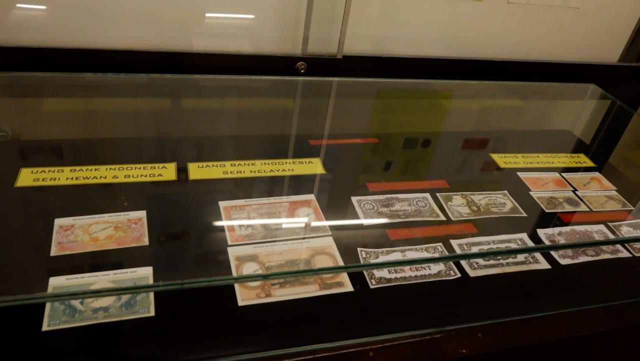 Koleksi uang di Museum Bank Indonesia | Sumber: Kendita Agustin