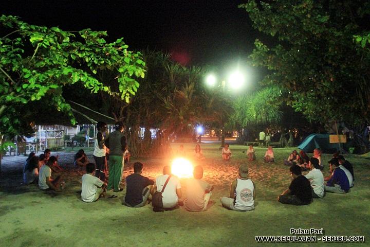 Memasang Api Unggun Dan BBq Pulau Pari