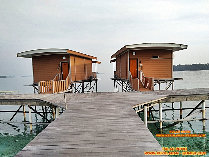 Cottage Di Atas Laut ( Floating )Pulau Putri Resort