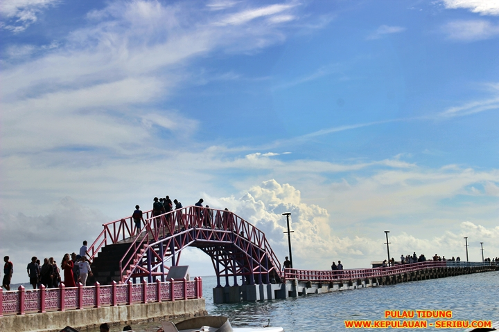 Jembatan Cinta Wisata Pulau Tidung Di Pulau Seribu