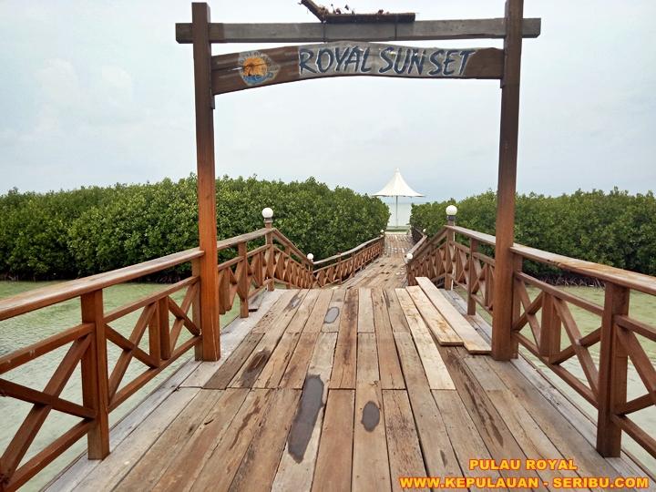 Wisata Sunset Di Pulau Royal Island Pulau Kelapa