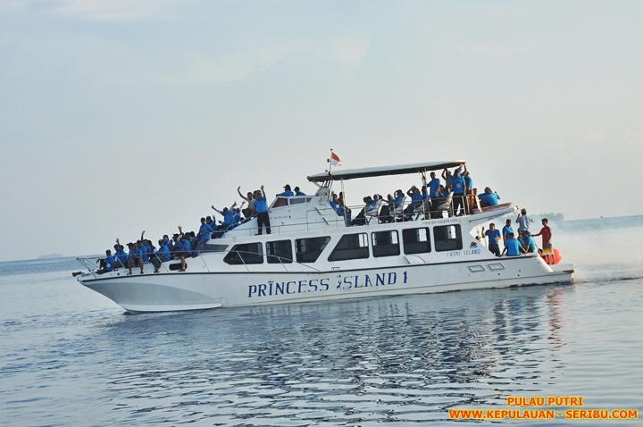 Kapal Sunset Cruise Pulau Putri Resort Wisata Pulau Seribu Jakarta