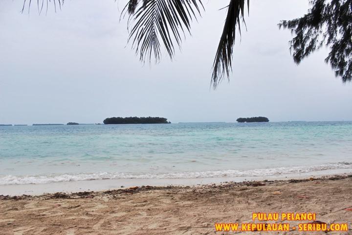 Pantai Landai Dan Pasir Putih Di Pulau Pelangi