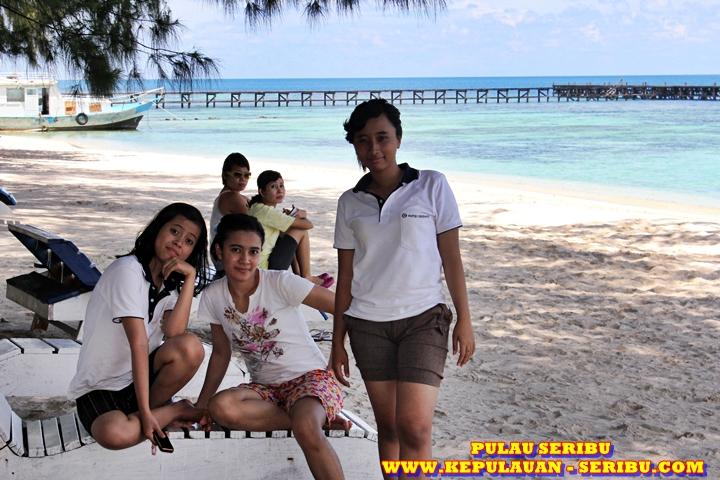 Panorama Wisata Pantai Pasir Putih Pulau Seribu Jakarta