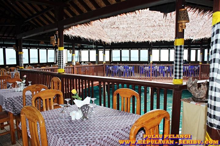 Restaurant Di Atas Laut ( Floating ) Pulau Pelangi
