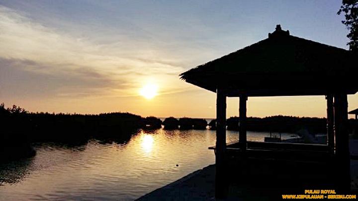 Sunset Dan Pohon Mangrove Royal Island Resort Pulau Seribu Jakarata