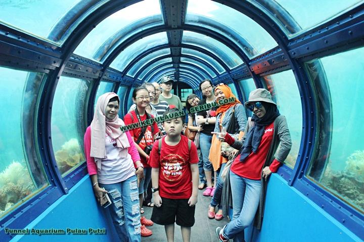 Undersea Tunnel Aquarium Pulau Putri Kepulauan Seribu