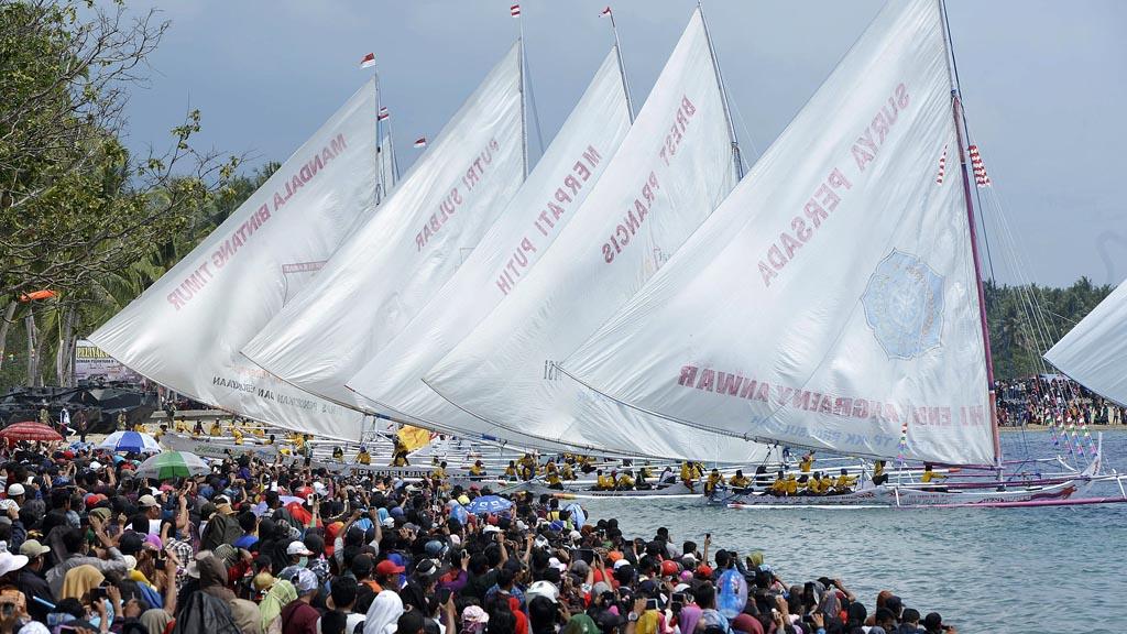 Parade puncak Teluk Tomini yang menjadi event kemaritiman Indonesia (© Rappler.com)