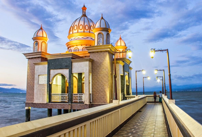 Masjid Terapung (© Perisai Keimanan)