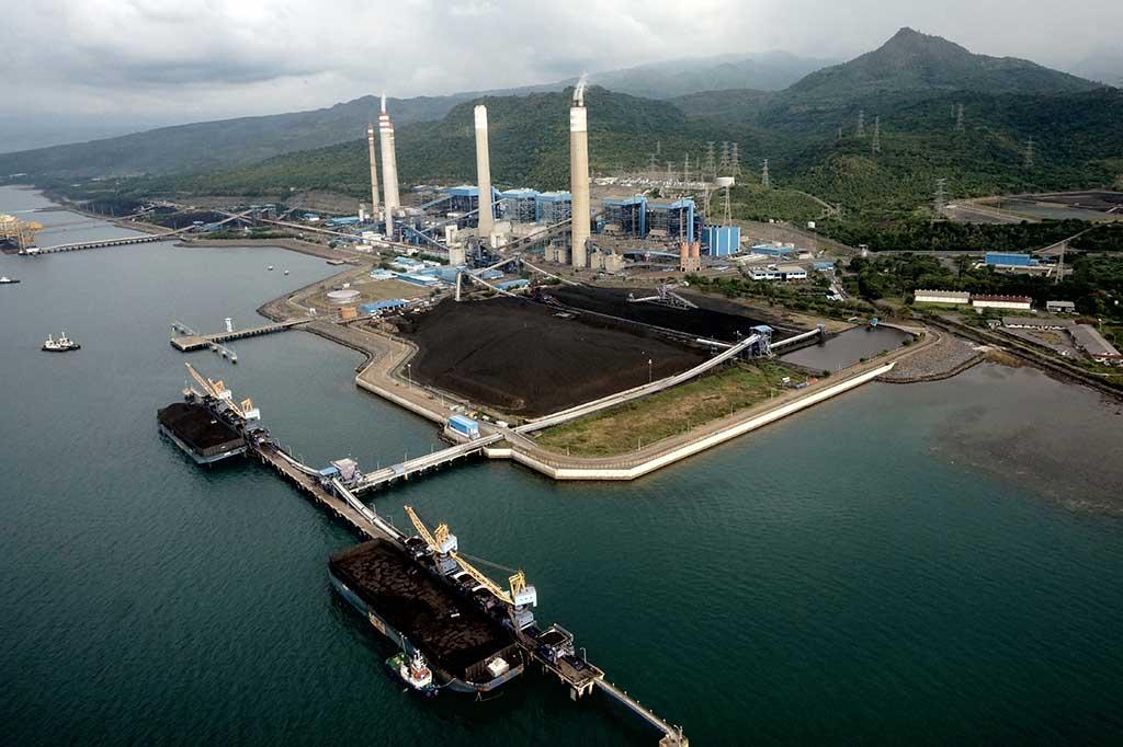 Pembangkit Listrik Tenaga Uap (PLTU) di Paiton, Probolinggo. Sebagian besar pembangkit listrik di Indonesia mengandalkan batu bara sebagai bahan bakar utamanya © ANTARA FOTO