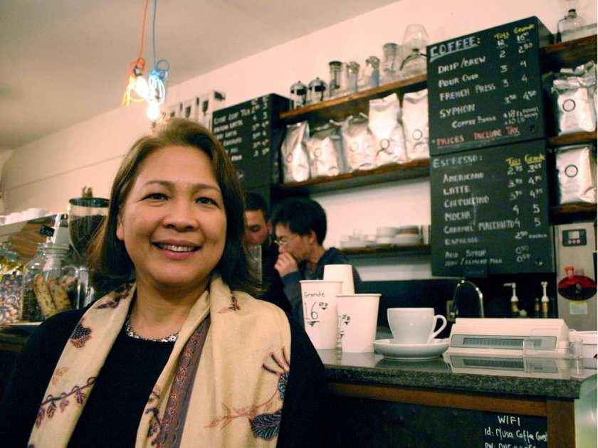Liza Wajong, CEO sekaligus pendiri Nusa Coffee. Tidak hanya mengenalkan kopi Nusantara, ia berharap agar Nusa Coffee mampu membantu para petani kopi di Indonesia