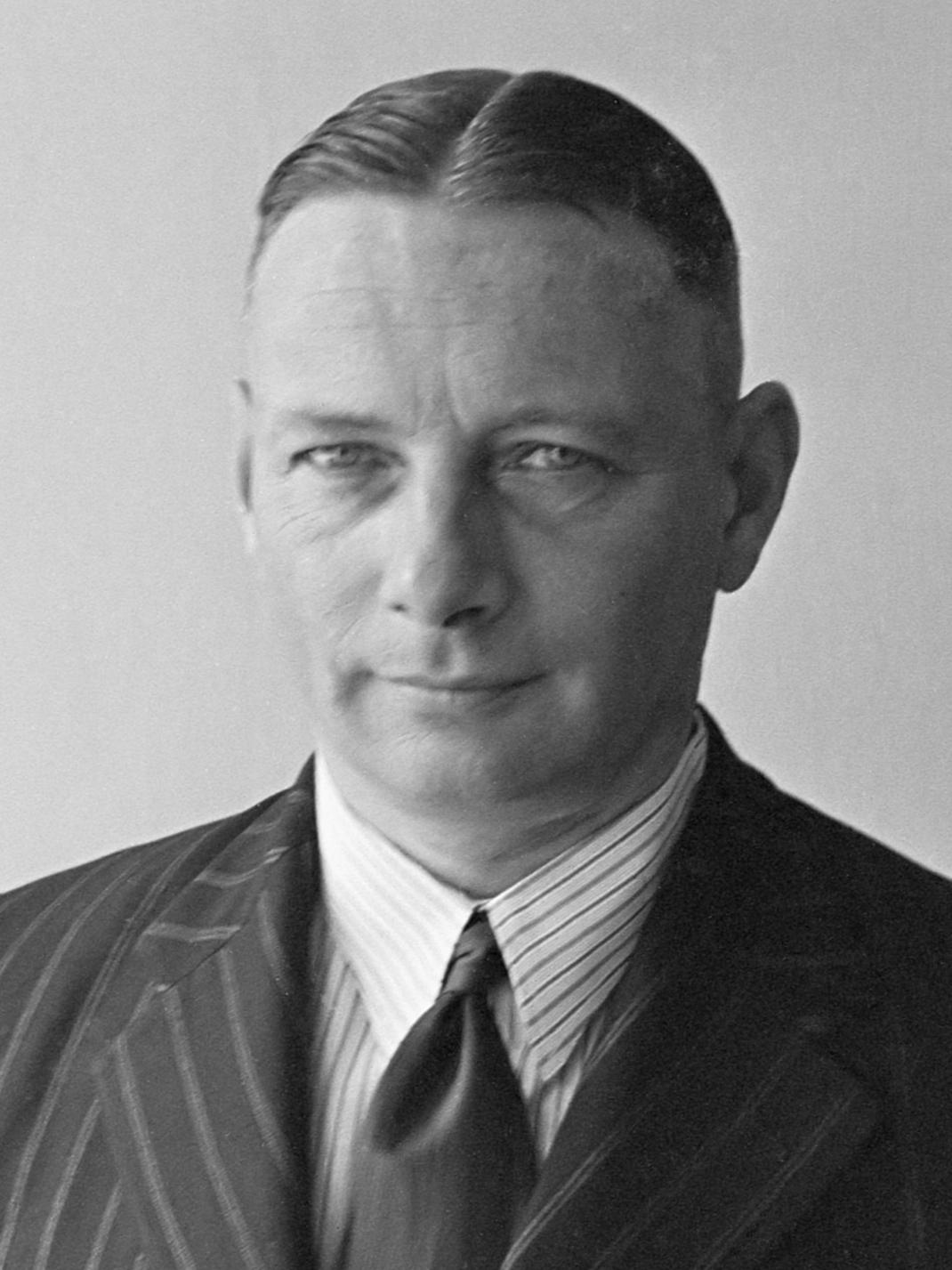 Jenderal Simon Hendrik Spoor, Komandan KNIL. Jenderal Spoor merupakan dalang dari Agresi Militer Belanda Kedua (Operasi Gagak)