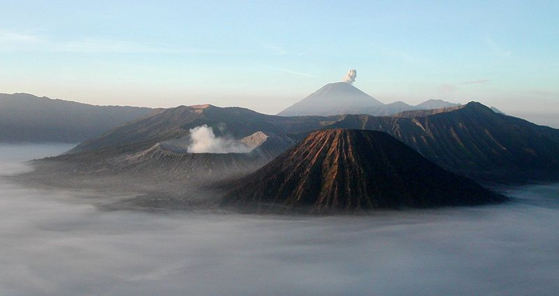 Gunung Bromo © Thomas Hirsch/CC BY-SA 3.0 (via Wikimedia Commons)
