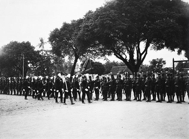 Pasukan Legiun Mangkunergaran (foto: mobgenic.com)