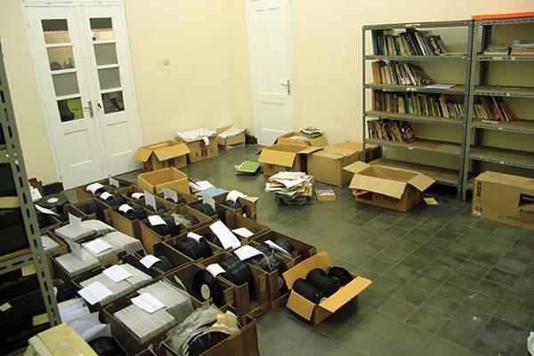 upaya Lokananta Project dalam menata dan mendata arsip dan dokumentasi milik Lokananta (foto: masjaki.com)