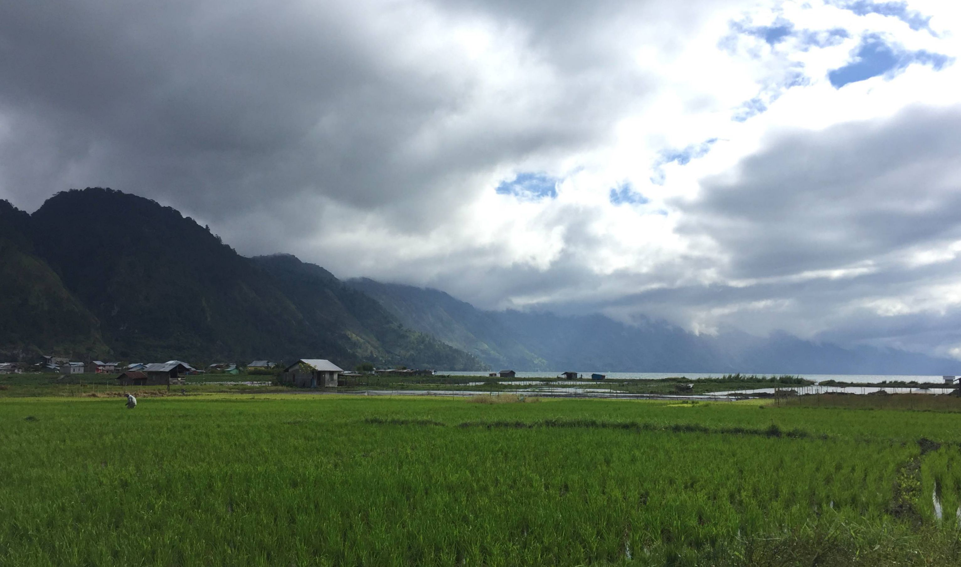 Tepian Danau Takengon, Aceh Tengah @ Natalia Oetama
