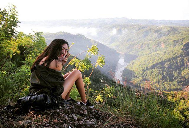 Pemandangan Sungai Oya dari atas Jurang Tembelan, Bantul.