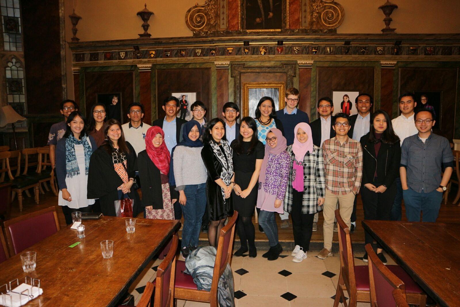 Para pelajar Indonesia yang datang dari berbagai kota di Inggris Raya (Foto: PPI Dunia)