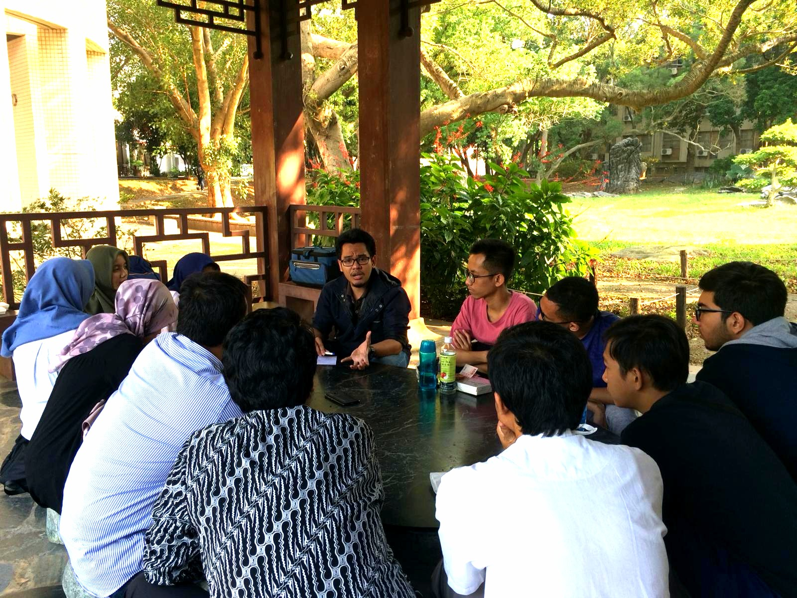 DIskusi berlanjut dengan penyampaian progress dan topik-topik riset potensial dari seluruh peserta diskusi