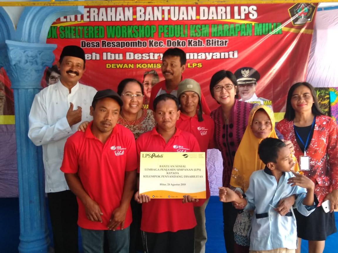 Penyerahan Bantuan Dari LPS dan Workshop Peduli KSM Harapan Mulia, Blitar | Sumber: gesuri.id