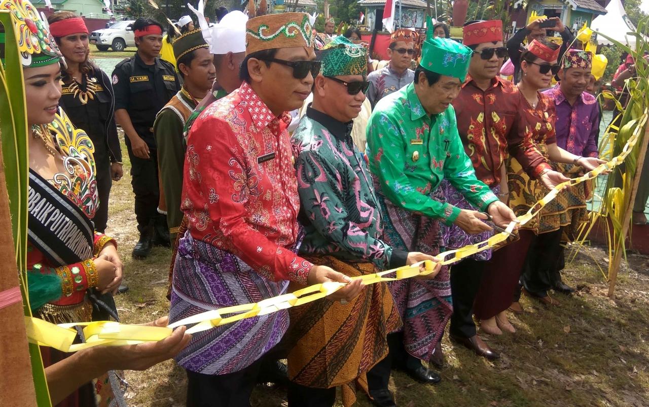 Tradisi Mamapas Lewu | Foto: Borneonews.co.id