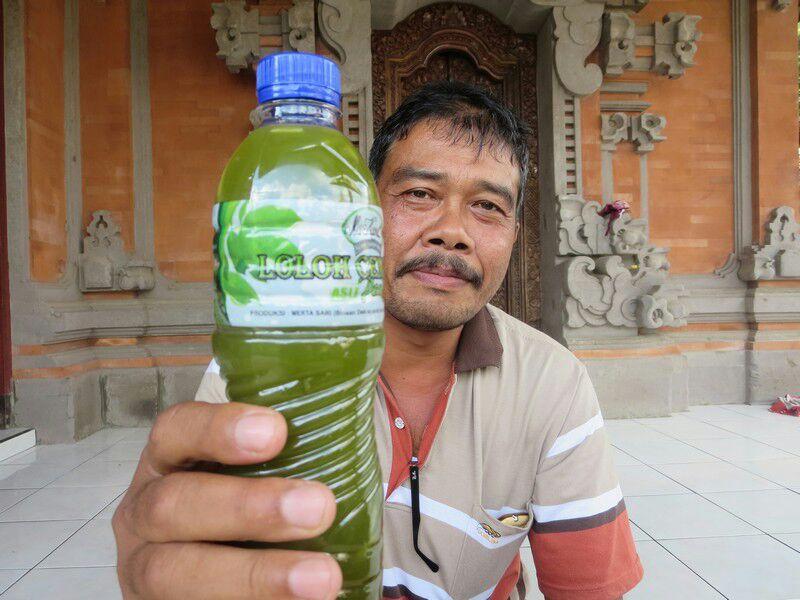 Bapak Nengah lancar dengan produk minuman lokal Penglipuran, Cem Cem