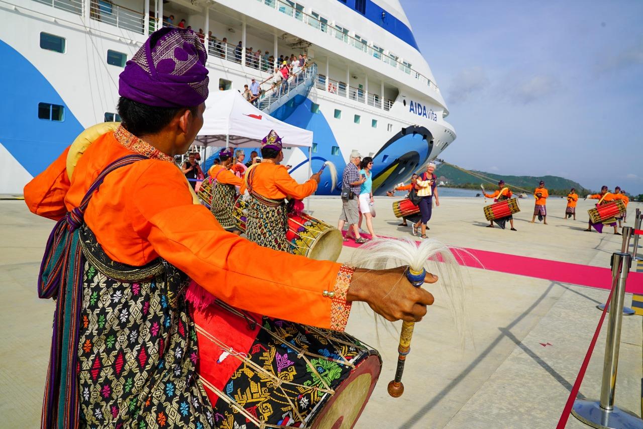 Pacu Pariwisata Lombok, Giliran Kapal Pesiar AIDAvita Sandar di Pelabuhan Gilimas Lombok