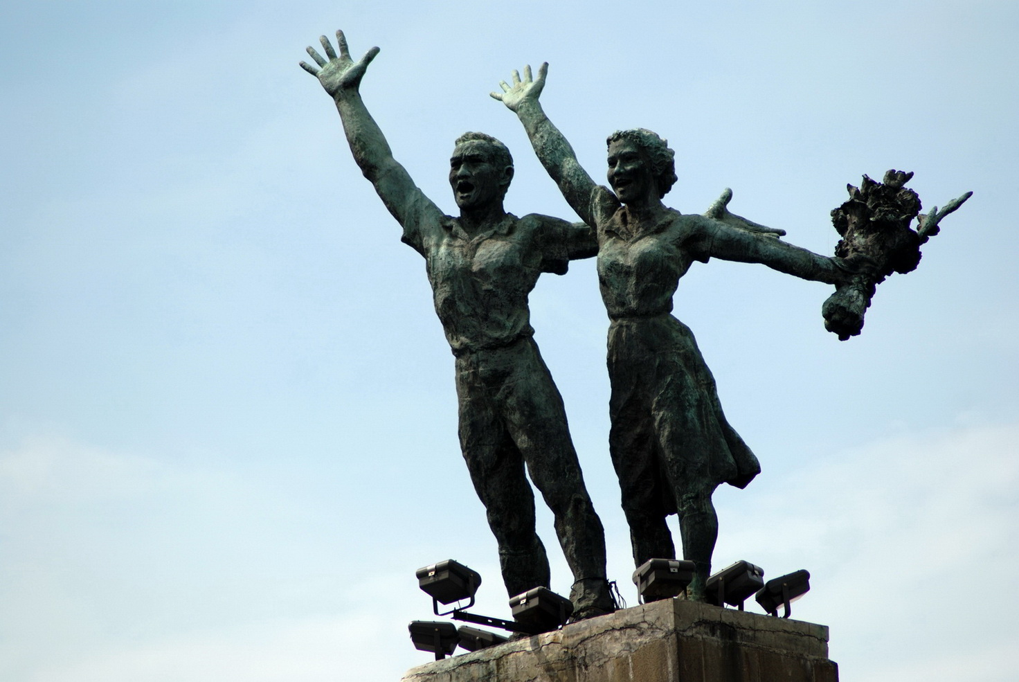 Patung Selamat Datang Bundaran HI | Foto : jakarta.panduanwisata.id
