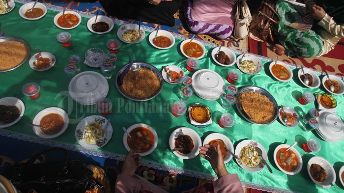 menu makanan saprahan © tribunnews.com