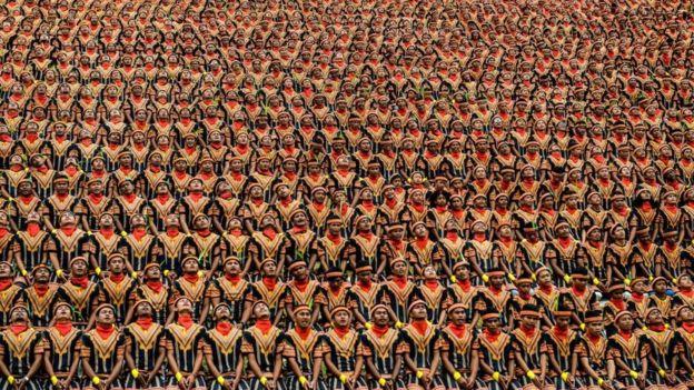 saman memecahkan rekor sebagai Tarian kolosal yang dilakukan dengan peserta terbanyak.