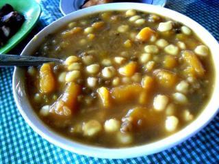 makanan-khas-ntt-catemak-jagung1