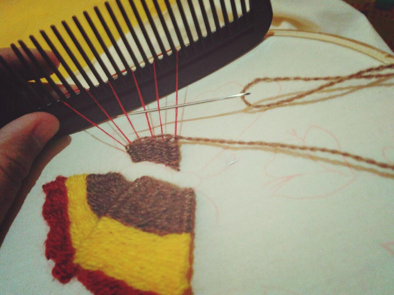(Proses) Sulam Sisir berbentuk sayap kupu-kupu