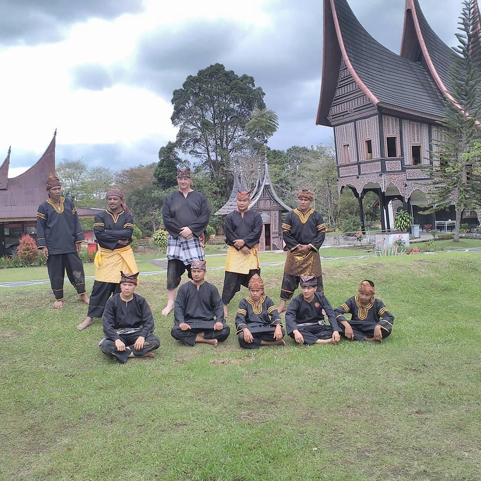 Beberapa Pelaku Silek Tradisi Minangkabau di antara sekian banyak pelaku silek yang masih mempertahankan