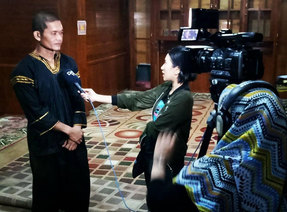 Bentuk Dukungan Lain Mako Detasemen B - Brimob Kota Padang Panjang yang digawangi AKP. Jendrival (Kanan) dan Bripka. Dedi Kurnia Putra, SE (Kiri) beserta tamtama baru dalam bentuk dukungan terhadap Silek. Kegiatan Liputan DAAI TV tentang Minangkabau