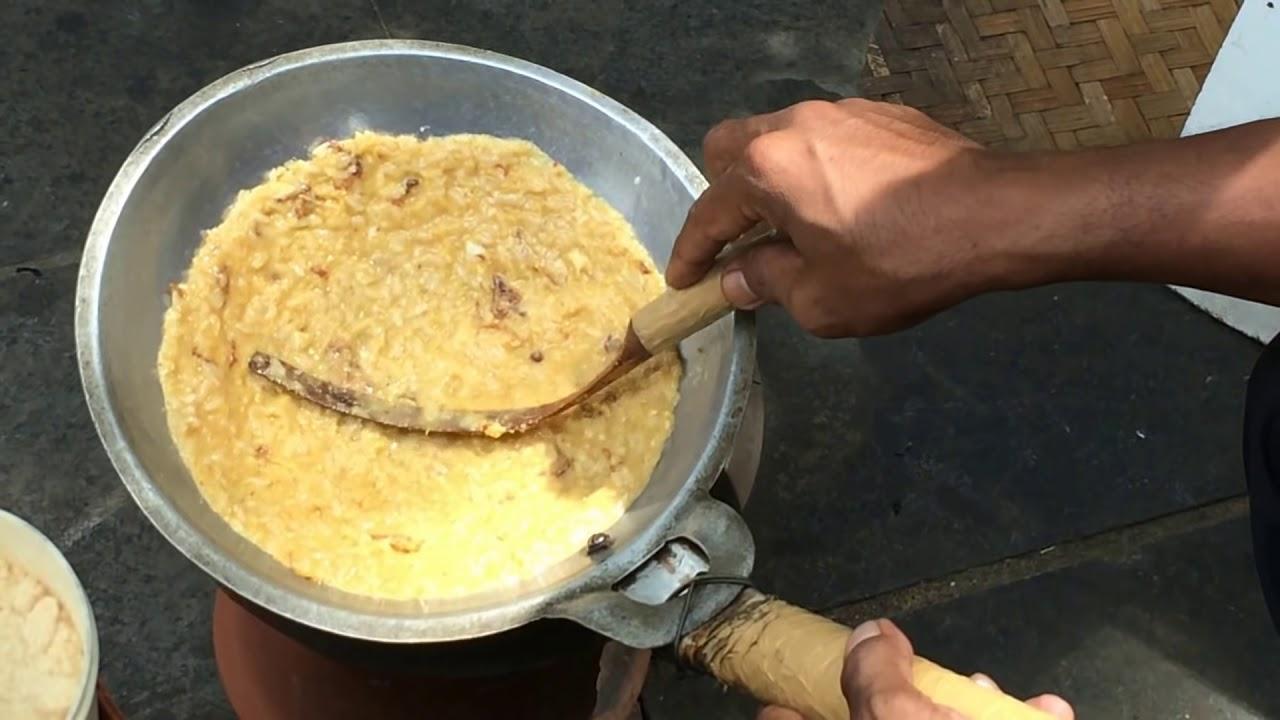 Proses pembuatan kerak telor | indozone.id