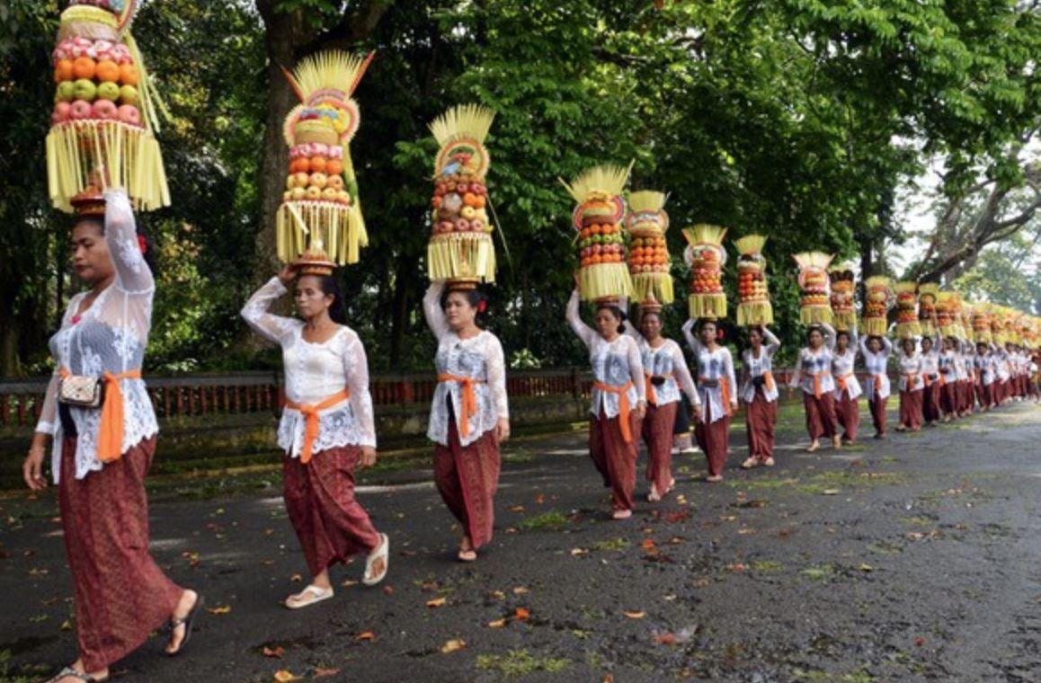 Tradisi Mapeed | Foto: infowisata.tabanankab.go.id