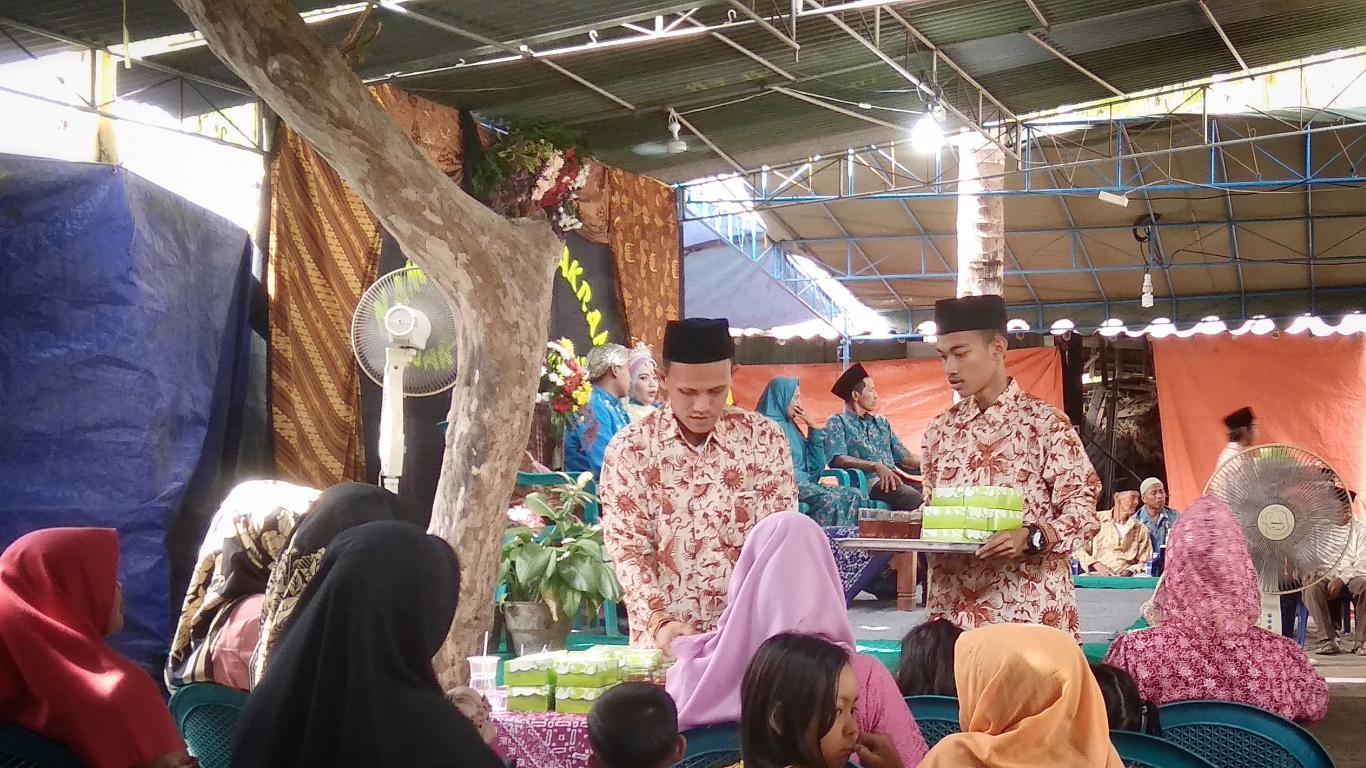 Ilustrasi salah satu kegiatan sinoman | Foto: wukirsari.bantulkab.go.id