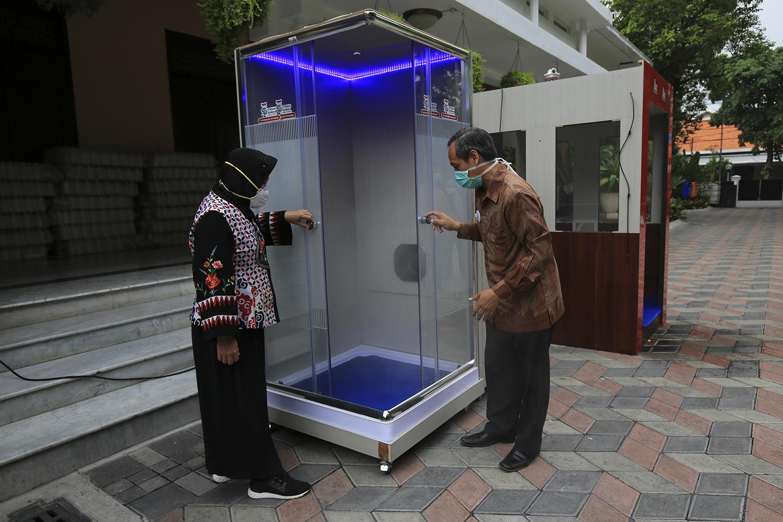 Bilik sterilisasi chamber   Foto: bekasi.pikiran-rakyat.com
