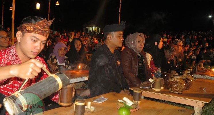 Prosesi Nyaneut ala orang Sunda (sumber : Muhammad Gaffar MSV)